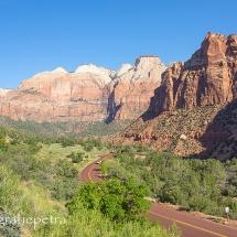 Van boven zicht op de weg door Zion NP © fotografiepetra